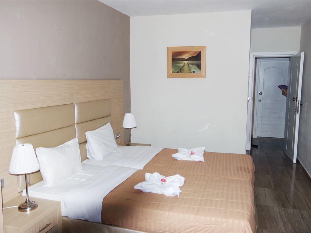 Rachoni Beach Hotel: Quadruple