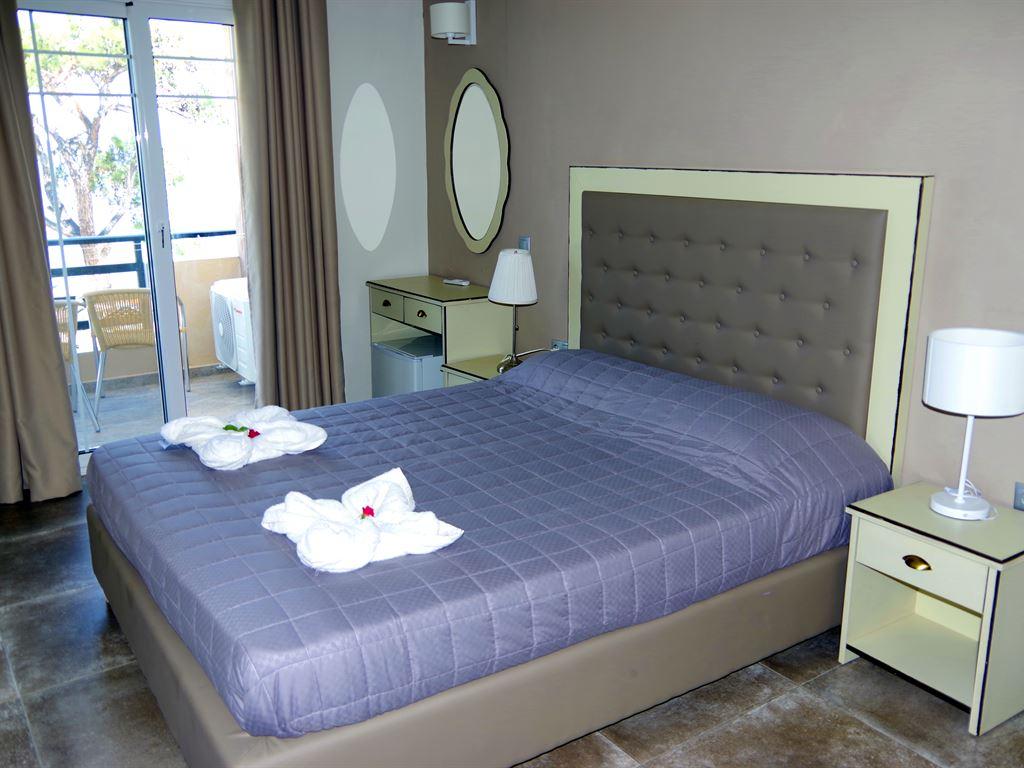 Rachoni Beach Hotel: Superior Room