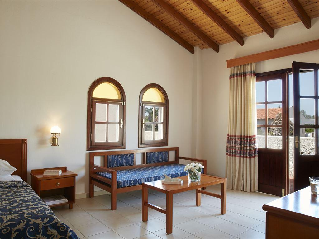 Macedonian Sun Hotel: Suite Bedroom