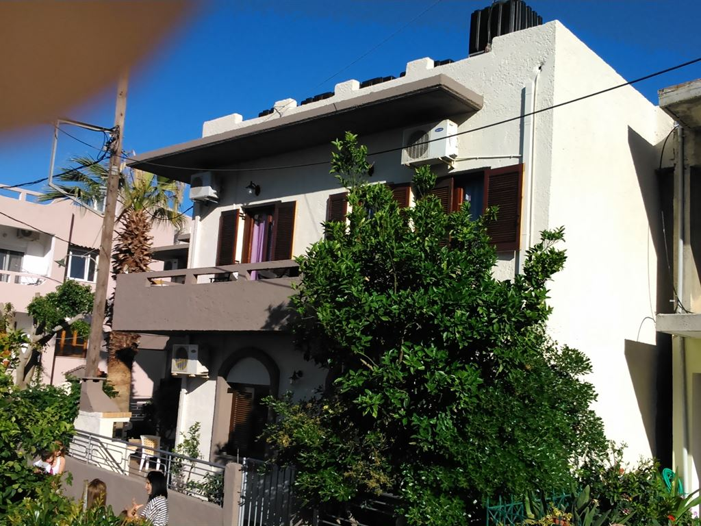 Fotula Apartments