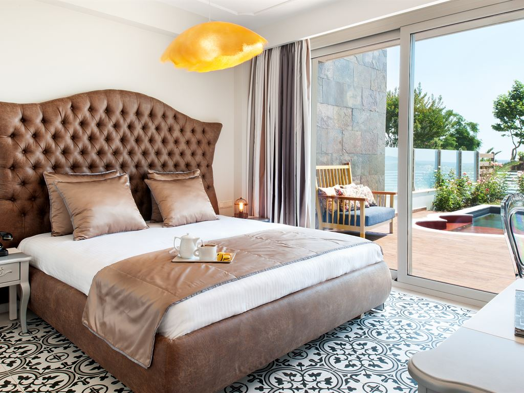 Alexandra Golden Boutique Hotel: Junior Suite Private Pool