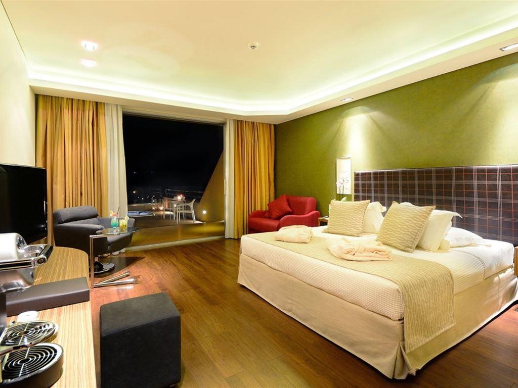 Royal Paradise Beach Resort & Spa: Room