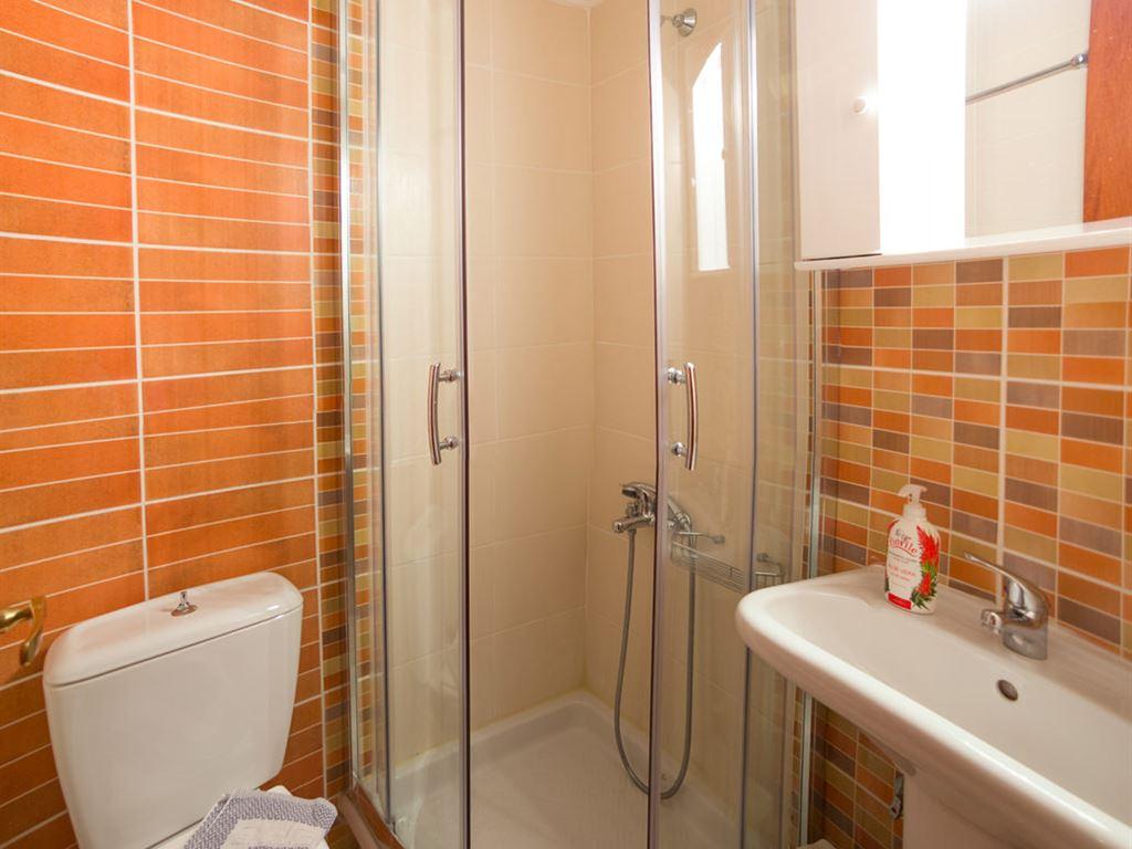 Ntinas Filoxenia Hotel & Spa: Bathroom