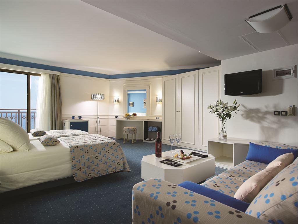 Amilia Mare Family Resort: Junior Suite