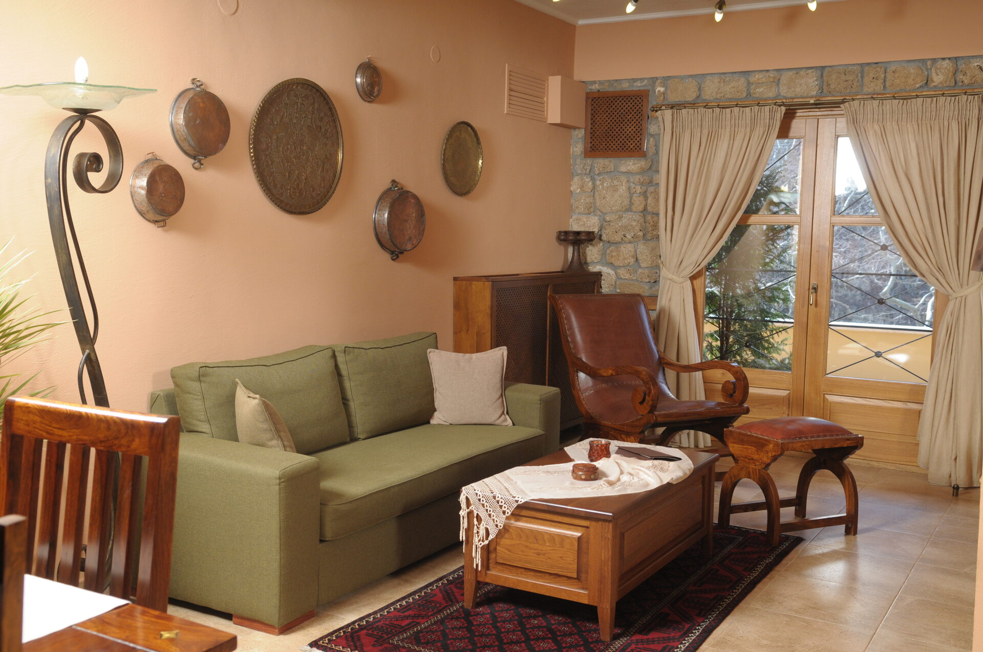 Roes Suites