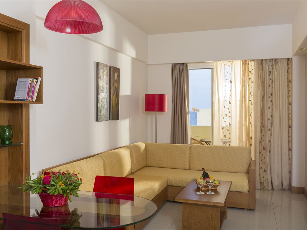 Sunshine Rhodes Hotel: Family Room