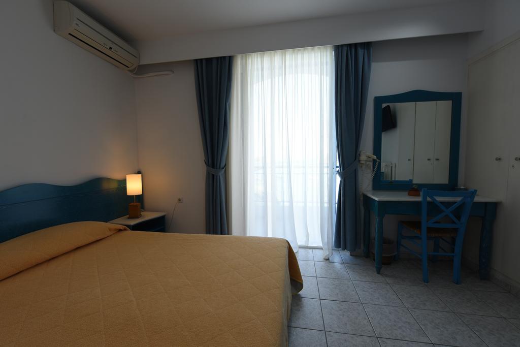Knossos Hotel