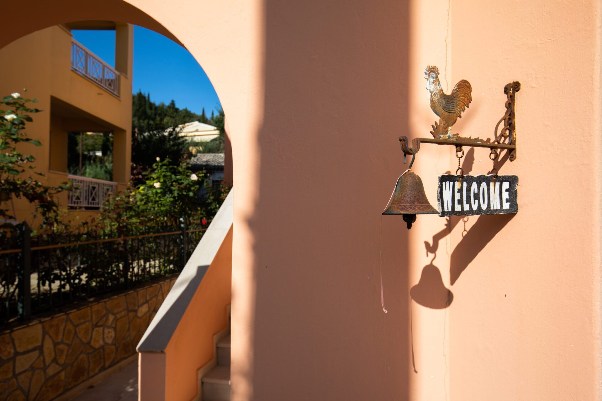 Bella Vista Hotel & Studios