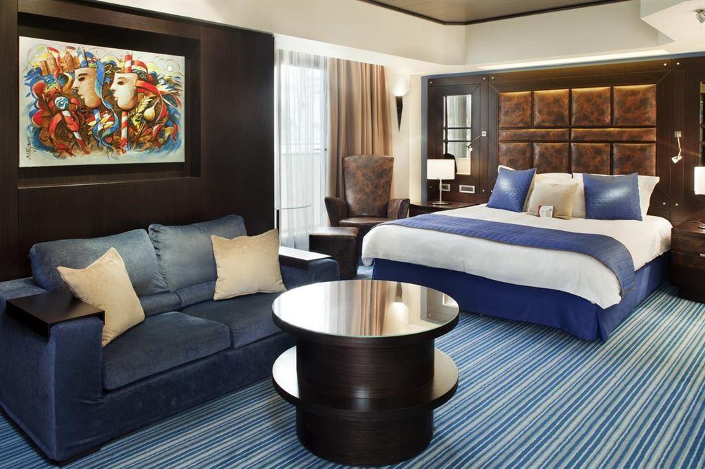Crowne Plaza Athens City Centre Hotel