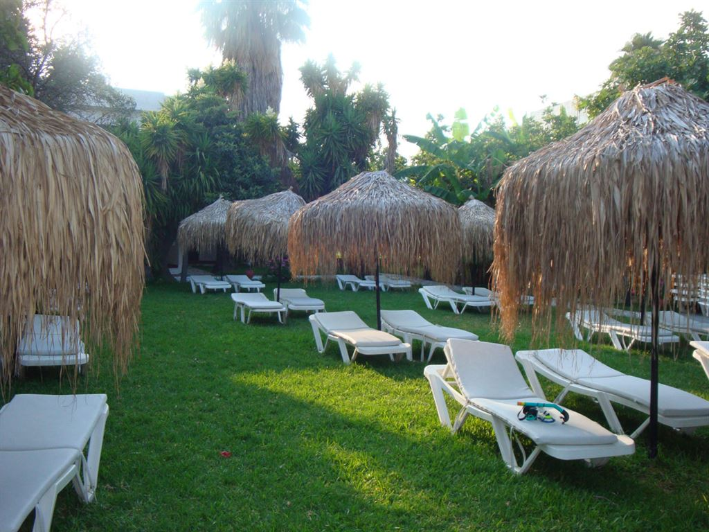 Oasis Hotel-Bungalows