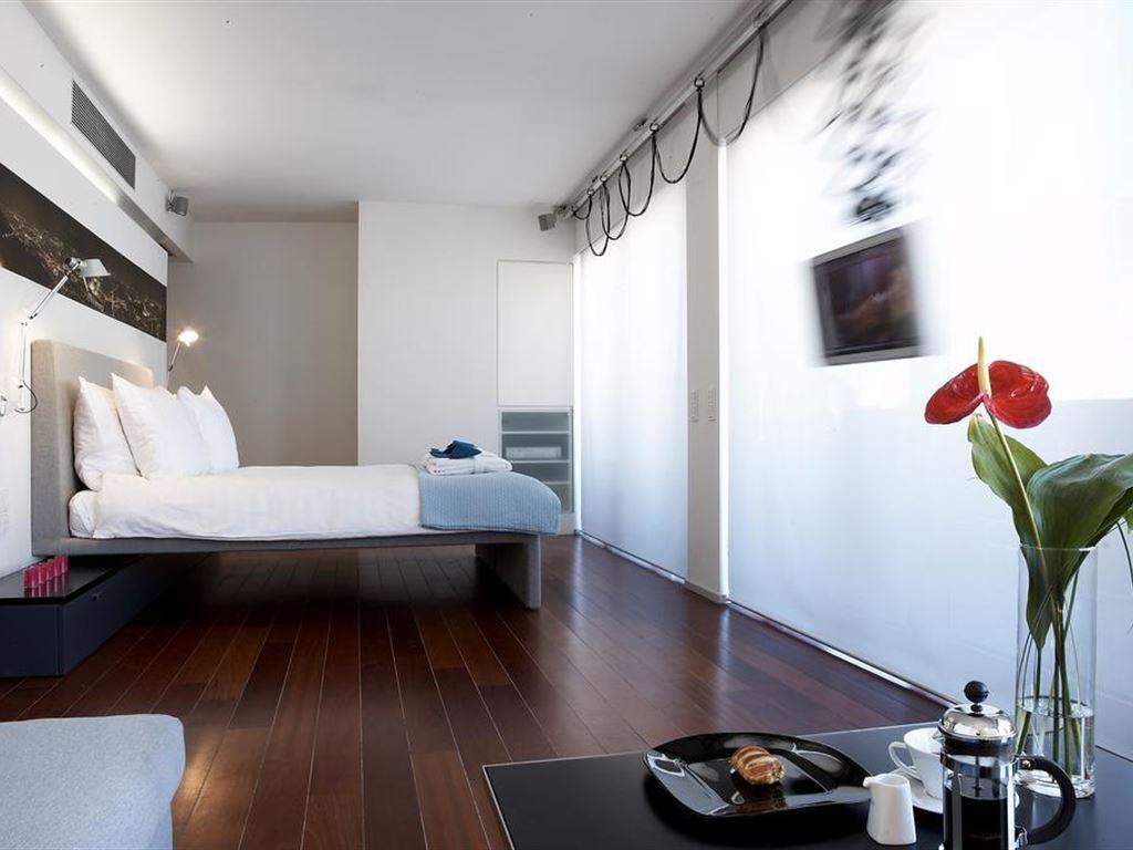 Periscope Hotel