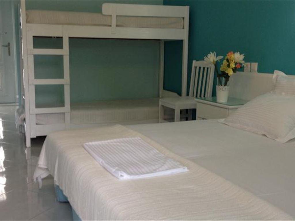 Diaporos Hotel : Double Bunkbed