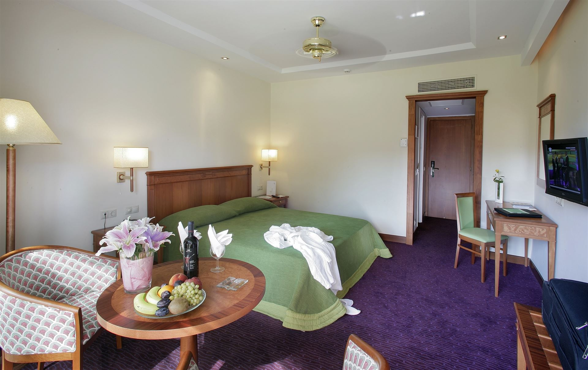 Theophano Imperial Palace: Deluxe Suite