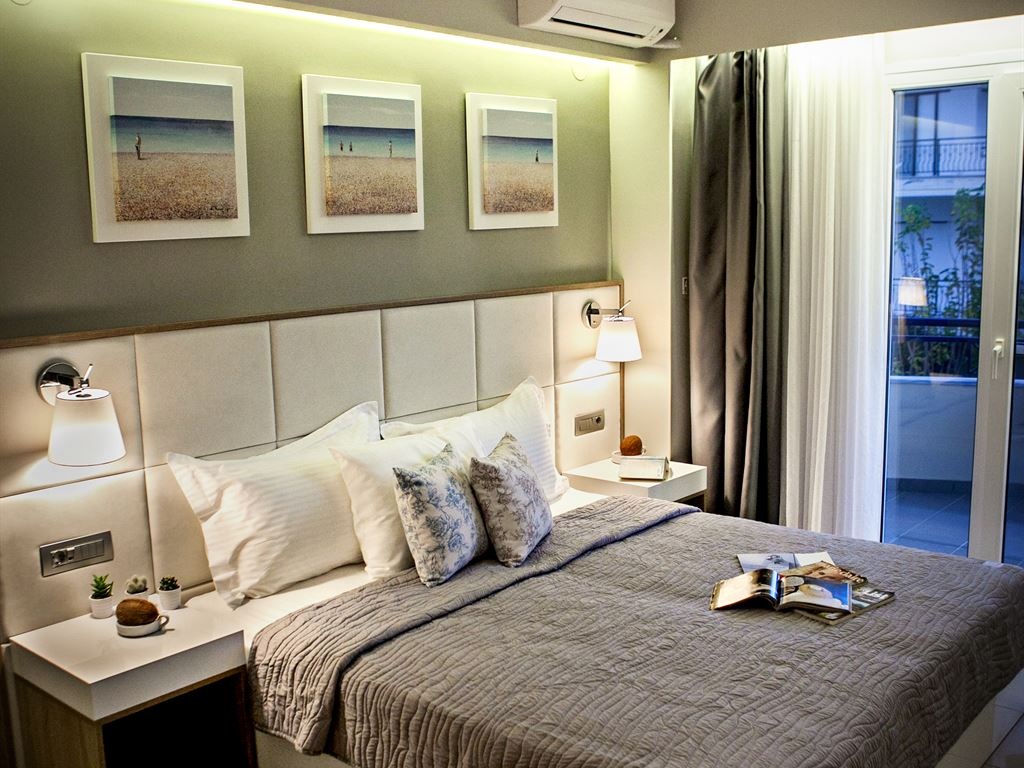 Olympic Star Hotel: Triple Room
