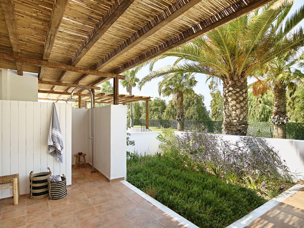 Grecotel Casa Marron : External Shower