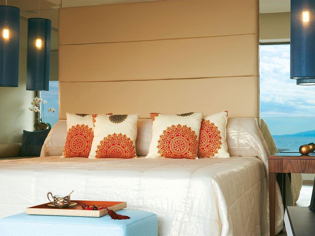 Amirandes Grecotel Exclusive Resort: Luxury Guestroom