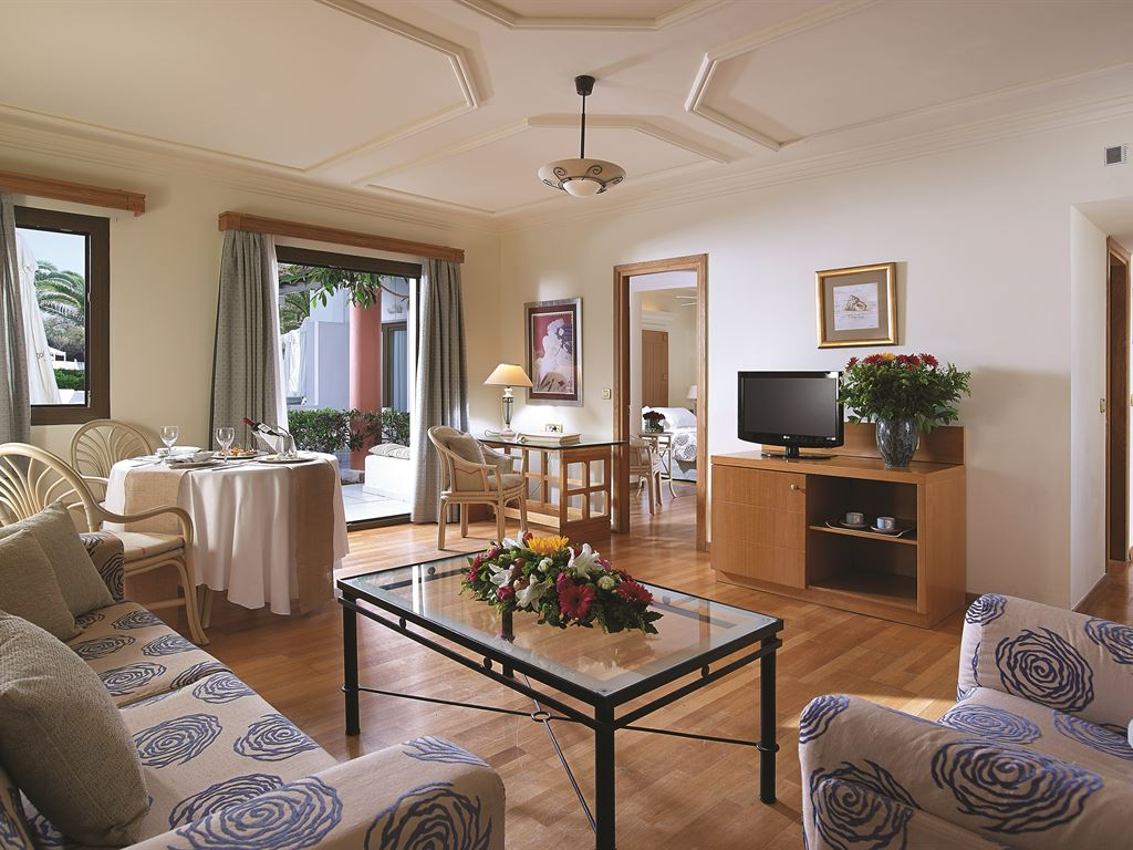 Aldemar Knossos Villas : Knossos Suite Sharing Pool