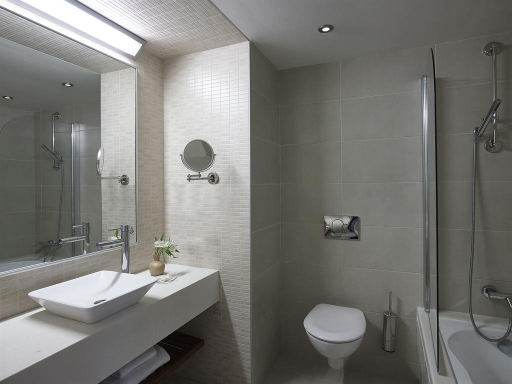 Creta Maris Beach Resort: Deluxe Room Bathroom