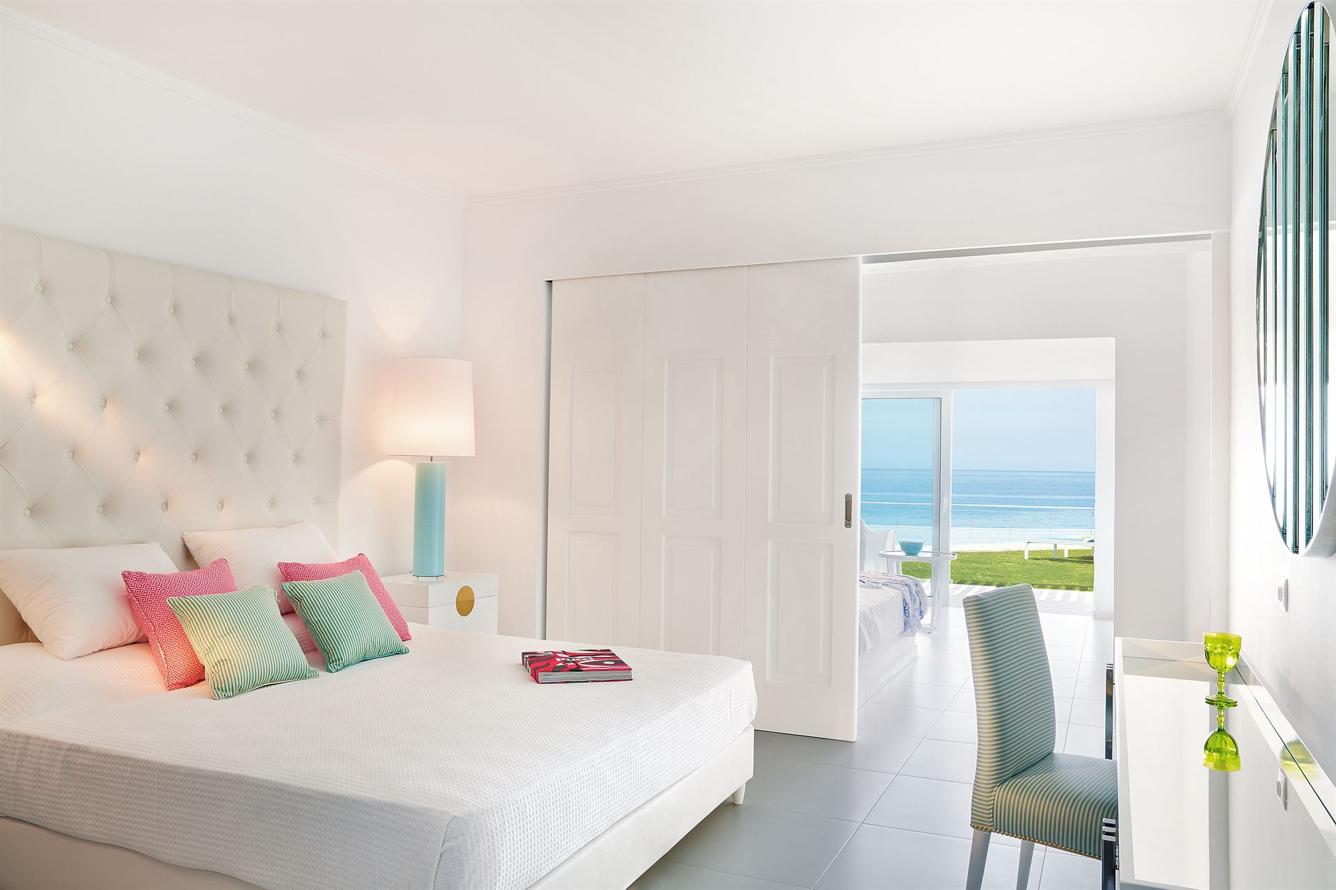 Grecotel LUX ME White Palace: Petit Yali SF Suite Sharing Pool