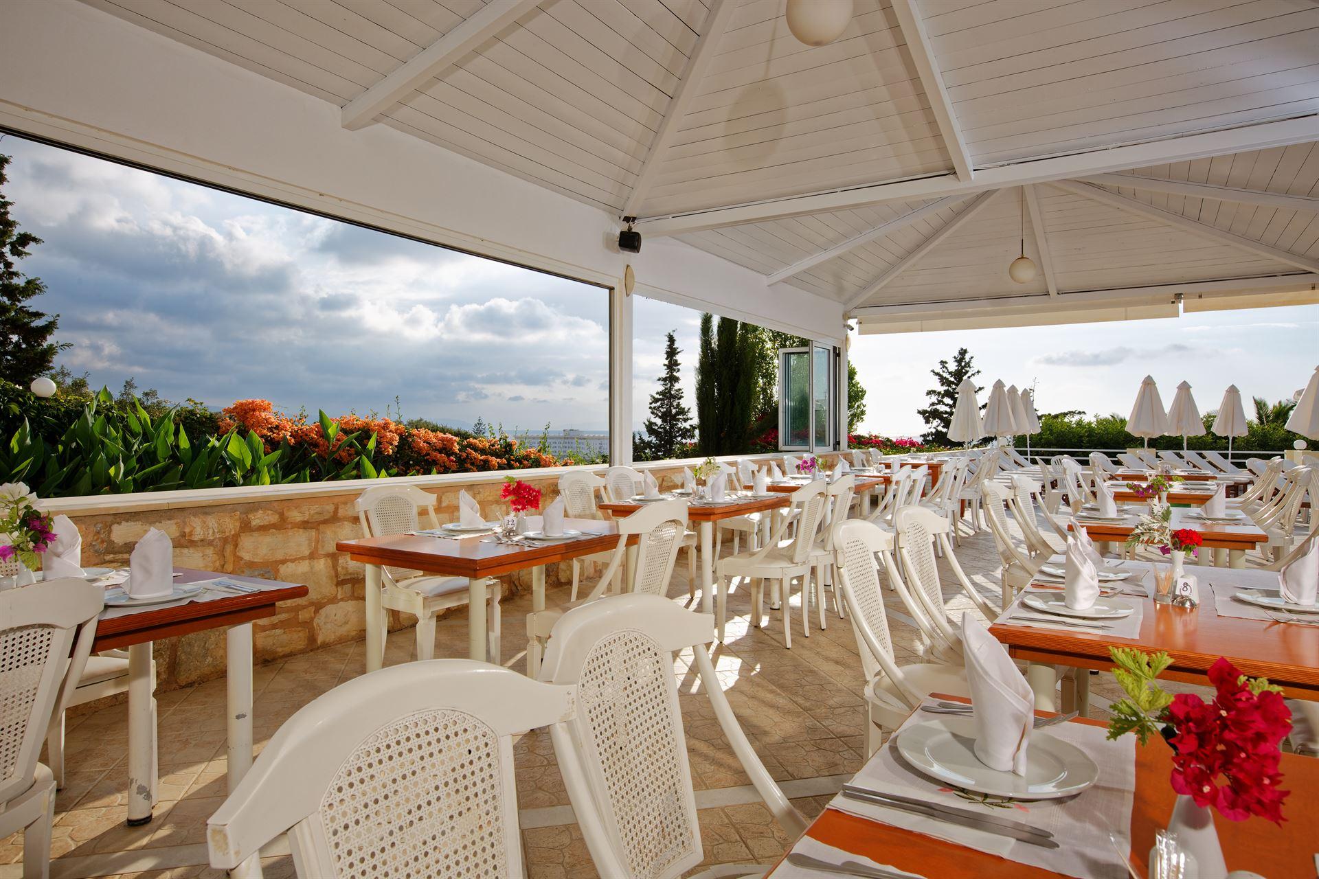 Bomo Rethymno Mare Royal & Water Park