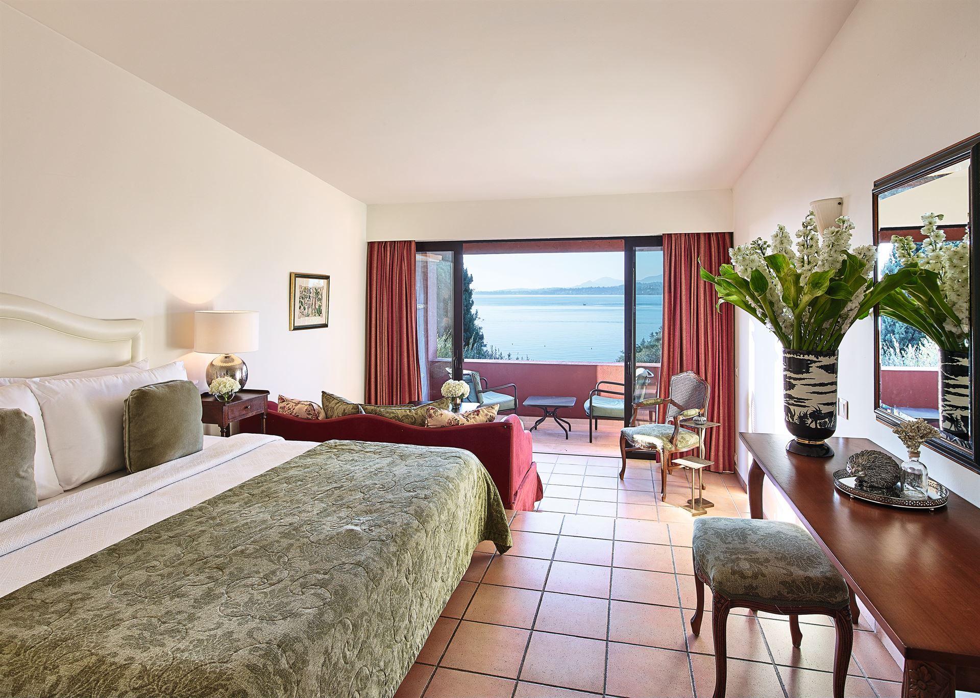 Grecotel Corfu Imperial Exclusive Resort: Corfu Bungalow Open Plan