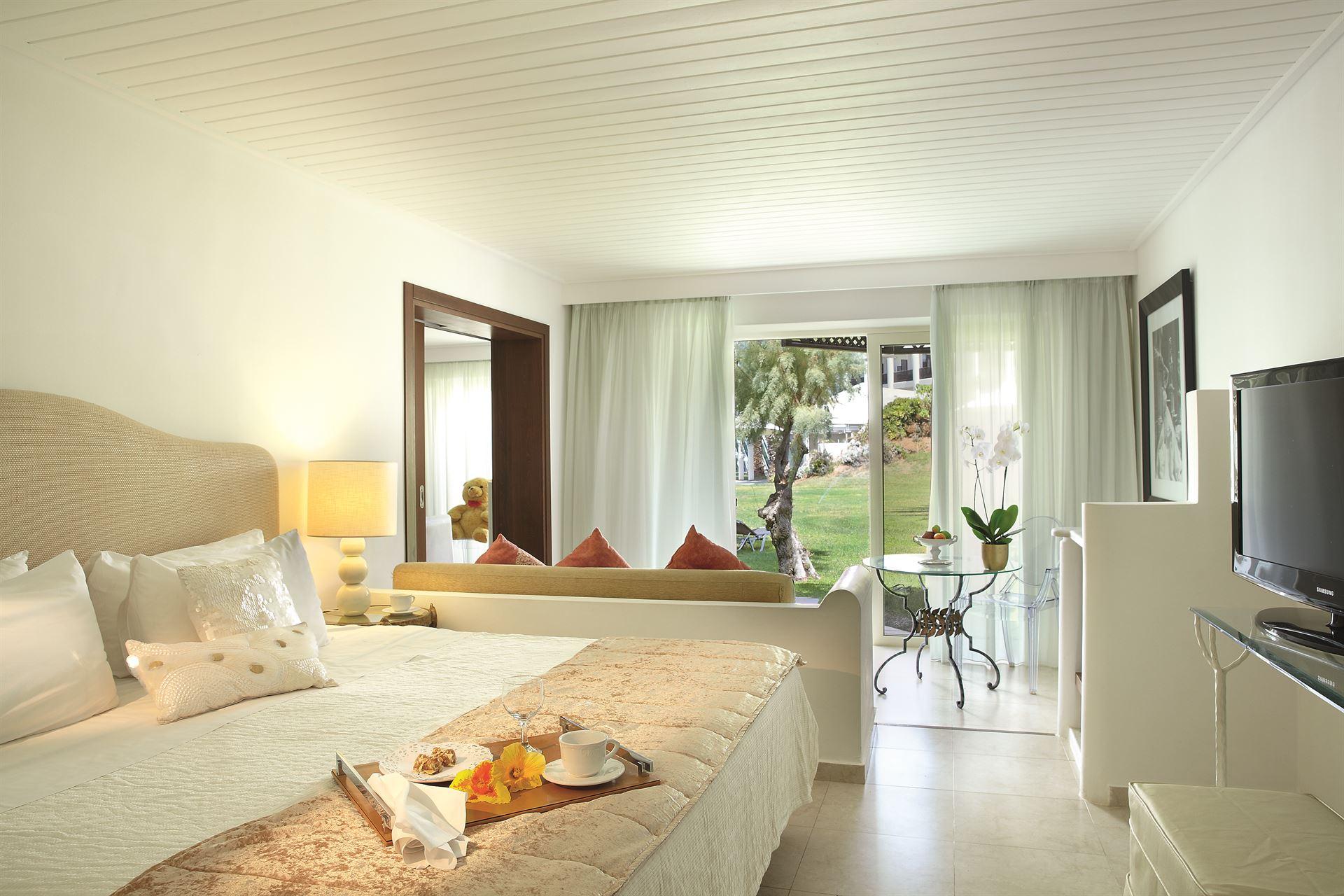 Grecotel Creta Palace Luxury Resort: Palace Family Bungalow Suite