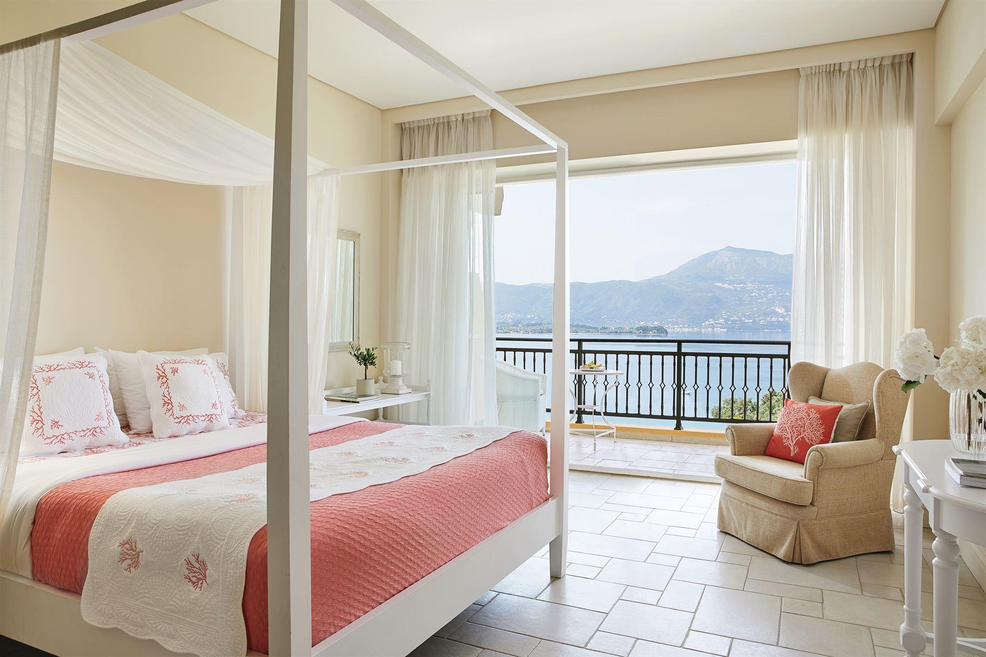 Grecotel Eva Palace: Panoramic Guestroom