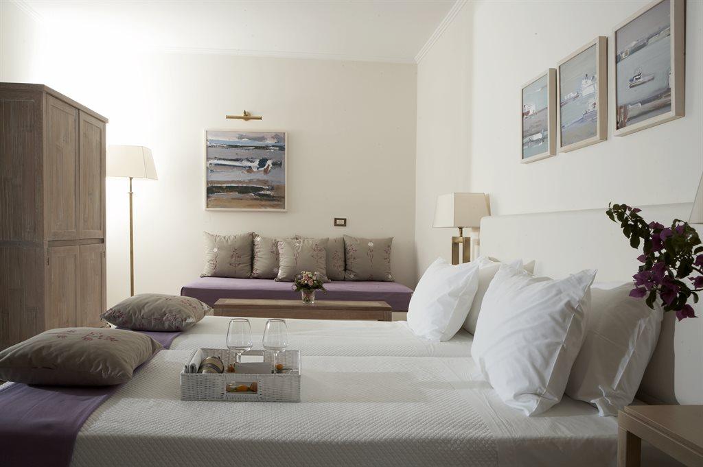 Lindian Village Hotel: river-passage-junior-suite-terrace-interior