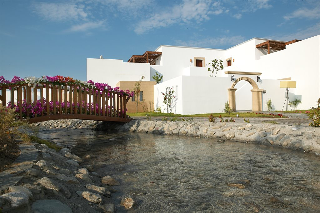 Lindian Village Hotel: weddings-rivers-isle-bridge