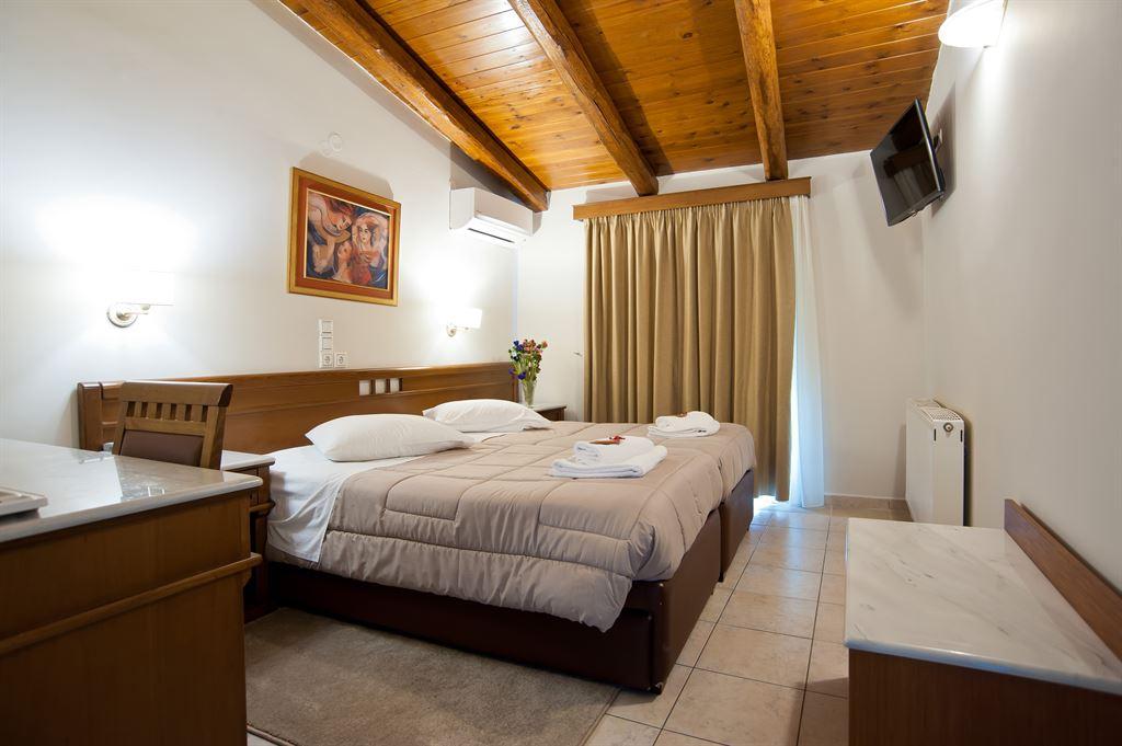 Parnassos Hotel