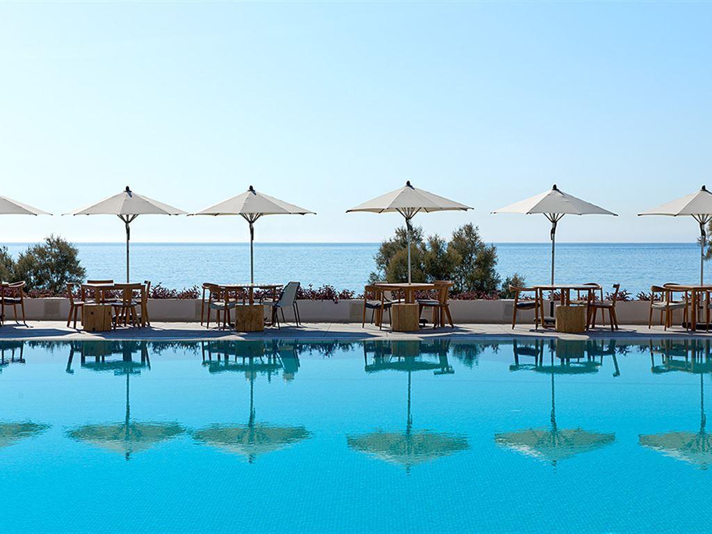 Kamari Beach Hotel