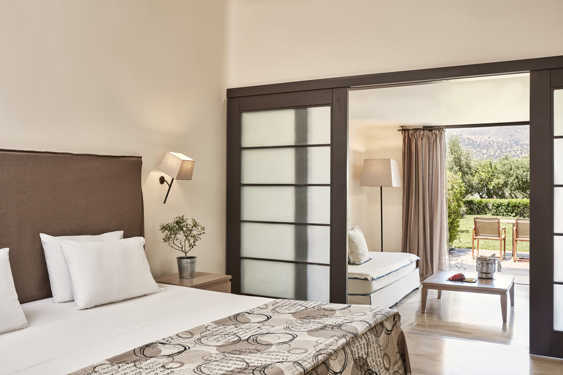 Minos Palace Hotel & Suites