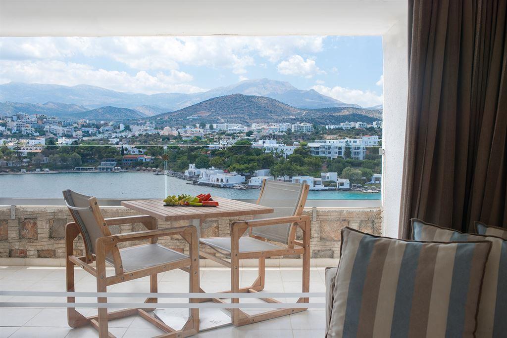 Minos Palace Hotel & Suites: Upper Deck SV
