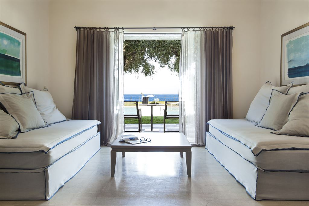 Minos Palace Hotel & Suites: Junior Ocean View Sharing Pool