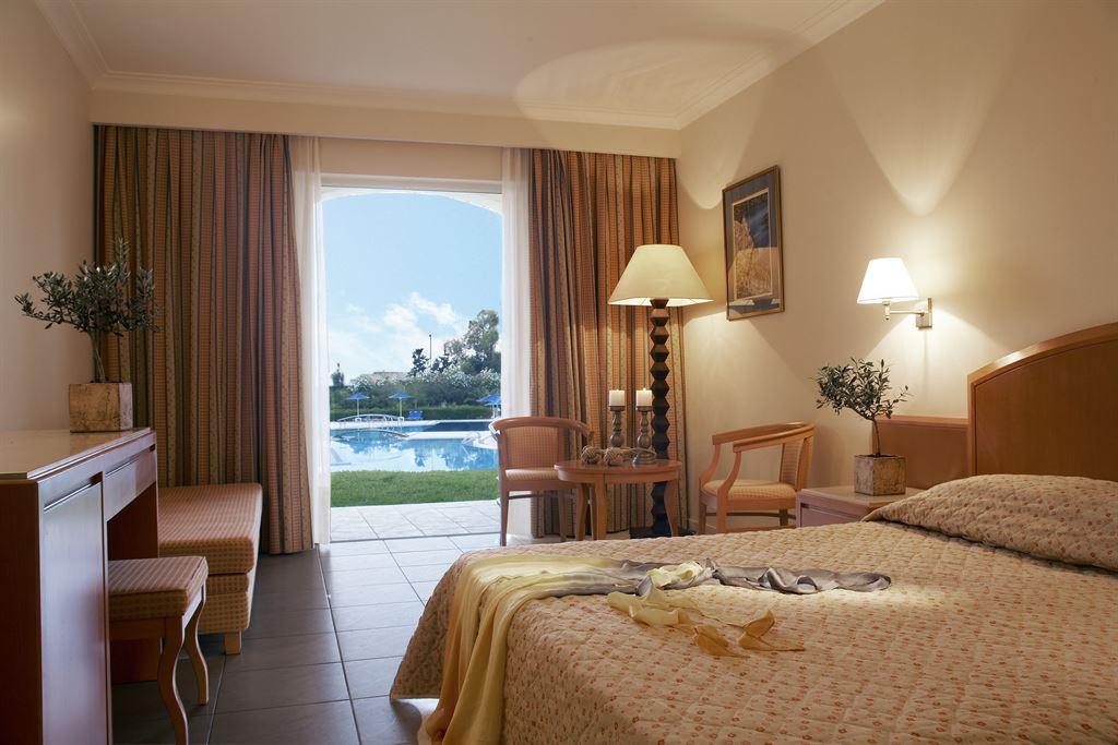Pilot Beach Resort & Spa Hotel: Superior Bungalow