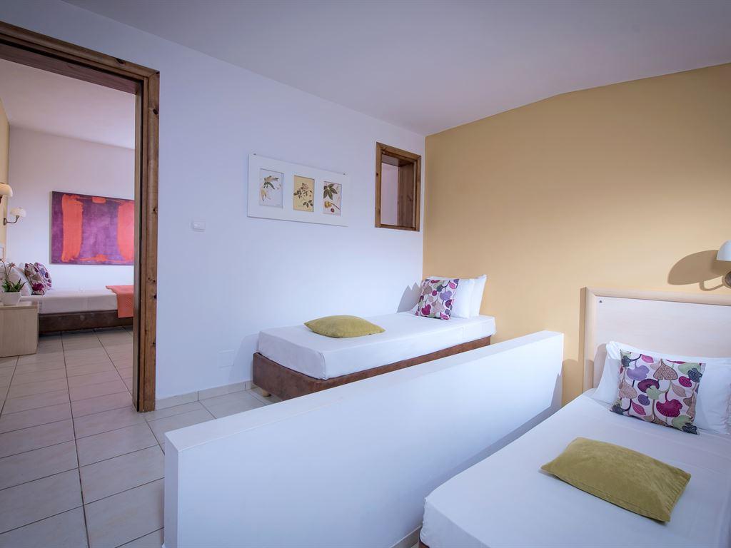 Blue Bay Resort : Family Suite MB
