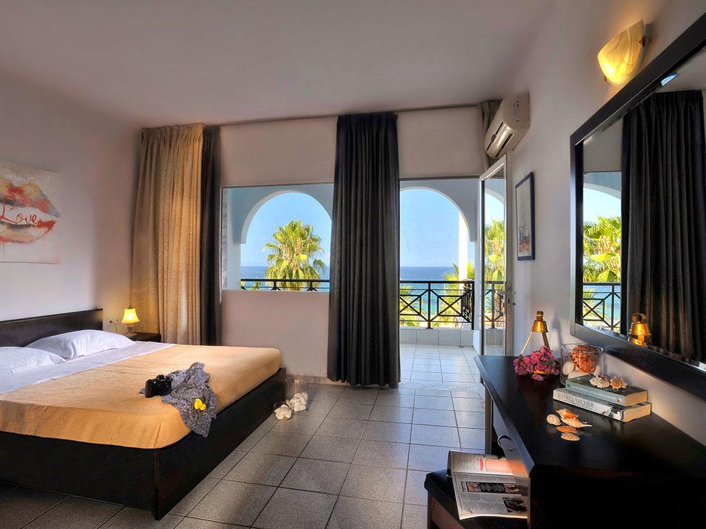 Acrotel Lily Ann Beach : Superior Room
