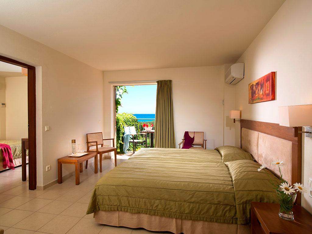 Bella Beach Hotel: Family 2_Bedroom