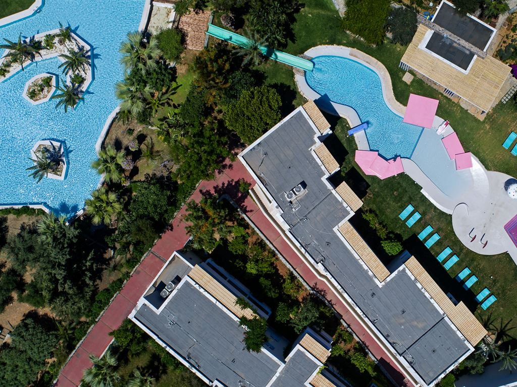 OUT OF THE BLUE, Capsis Elite Resort: Classic Suites