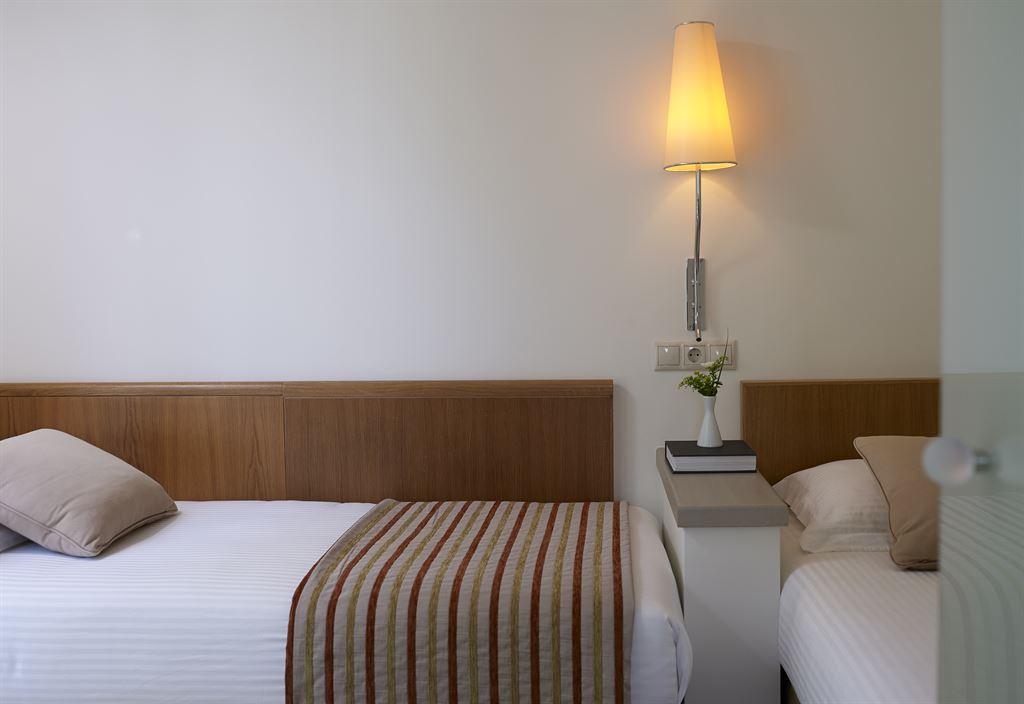 Kriti Beach Hotel: Family