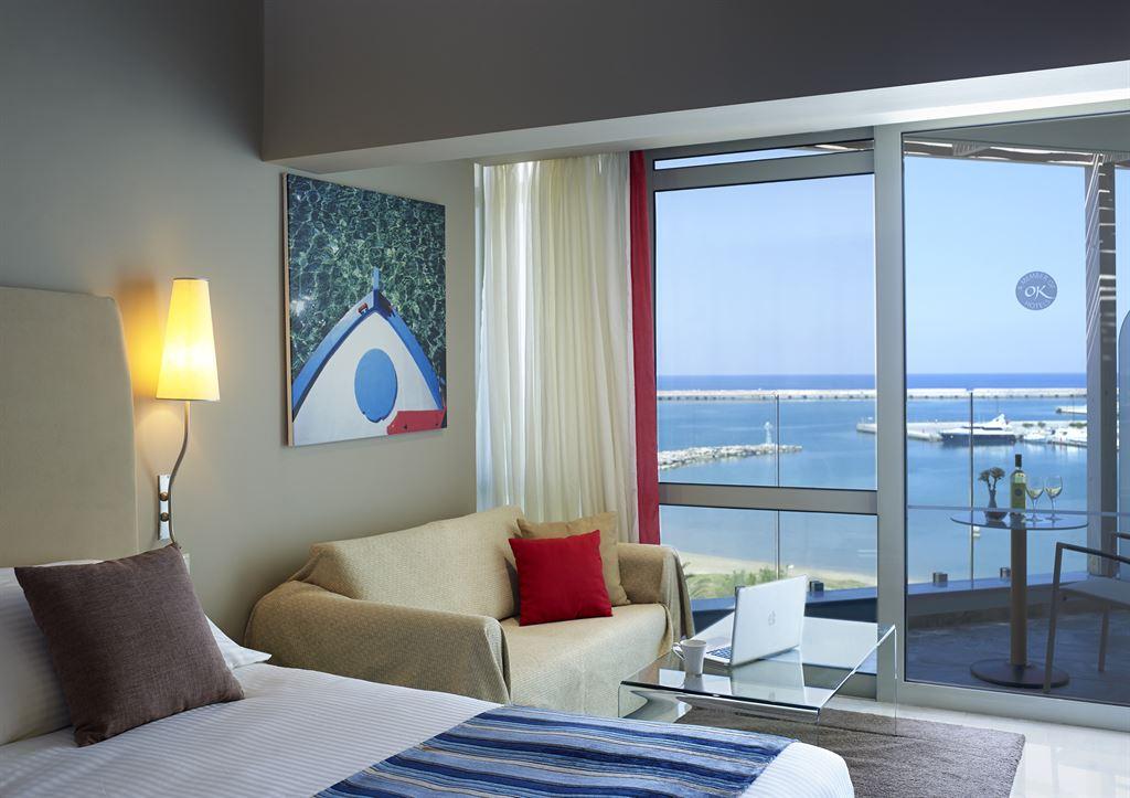 Kyma Suites Beach Hotel: Junior Suite