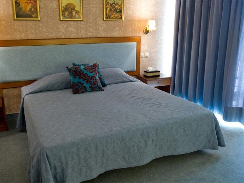 Four Seasons Hotel Glyfada