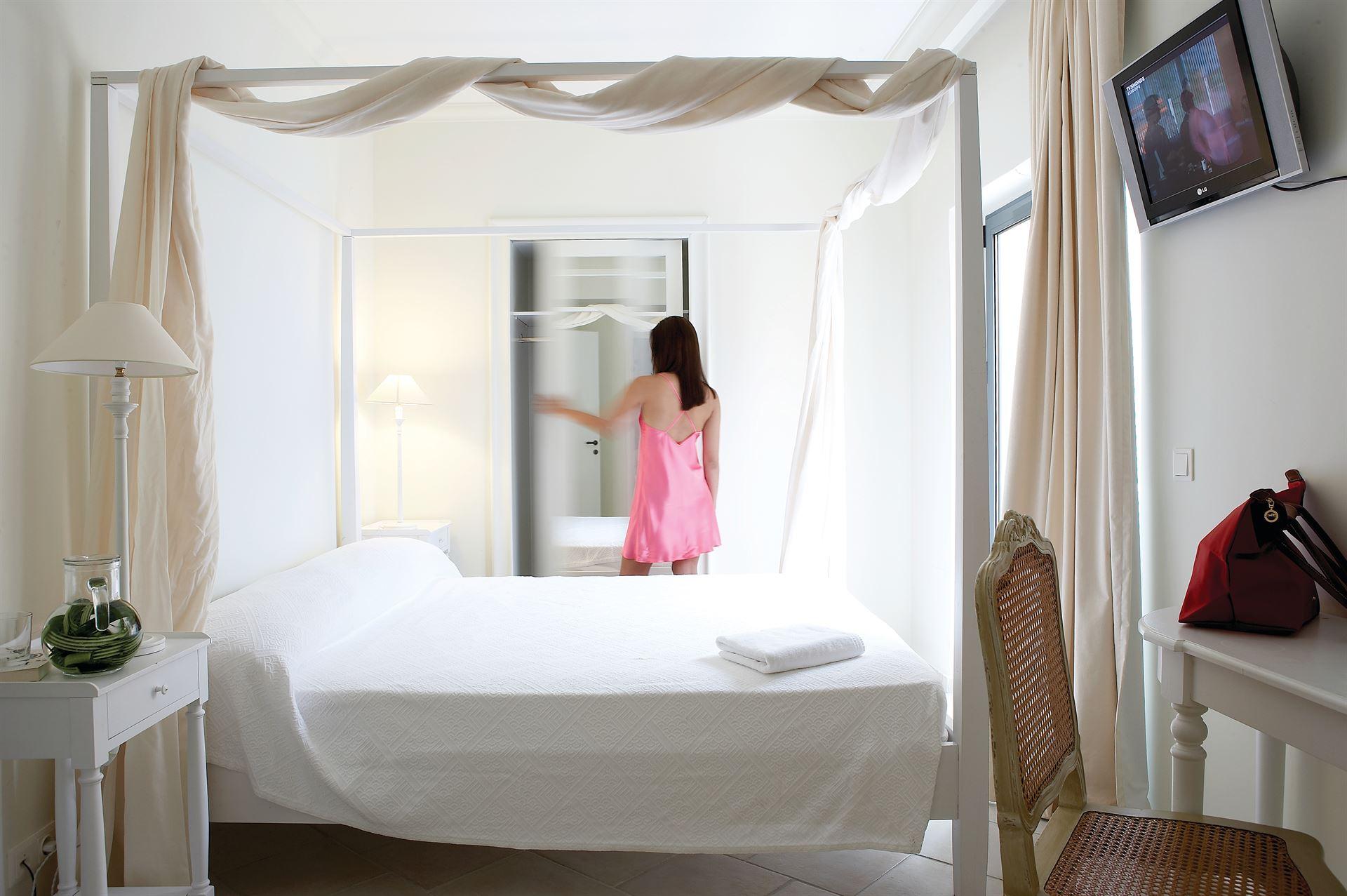 Grecotel Plaza Beach House: One Bedroom Apartment