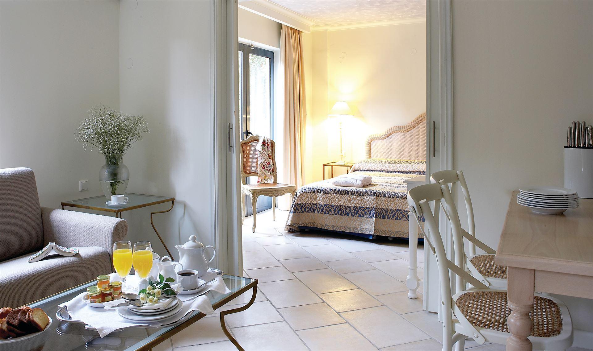 Grecotel Plaza Beach House: Two Bedroom Apartment Maisonette