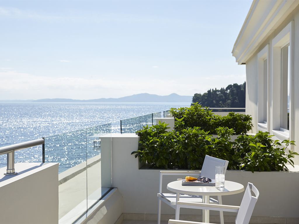 Mayor Mon Repos Palace - Art Hotel : Executive Art Suite Sea View