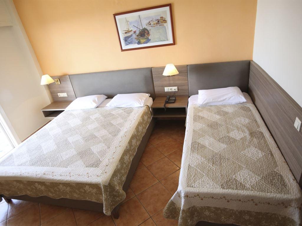 Oceanis Hotel Kavala: Triple Room