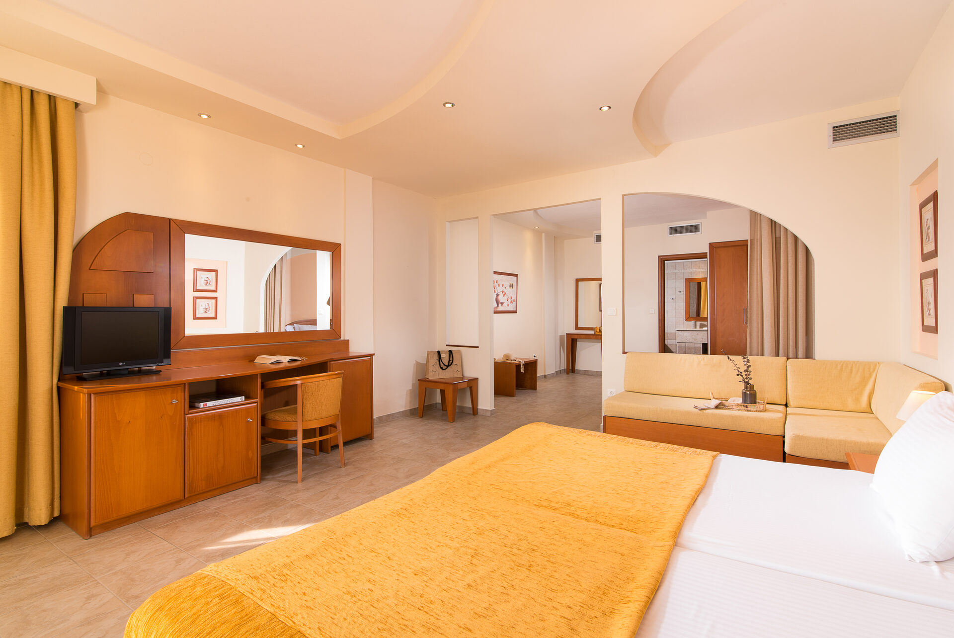 Alexandros Palace Hotel & Suites: Family Superior SV
