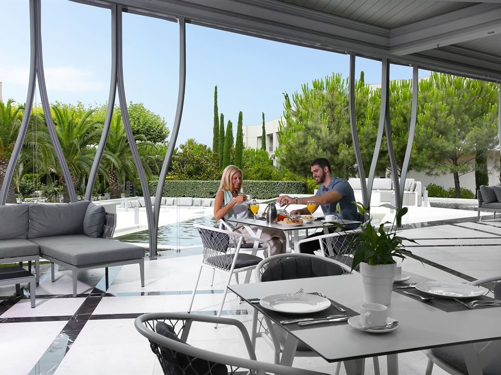 Pomegranate Wellness Spa Hotel: Zeus Main Restaurant Terrace