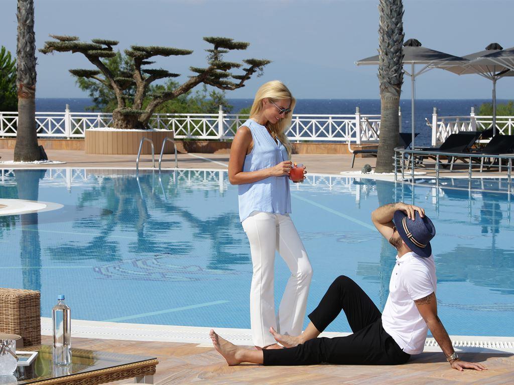 Pomegranate Wellness Spa Hotel: Swimming Pool