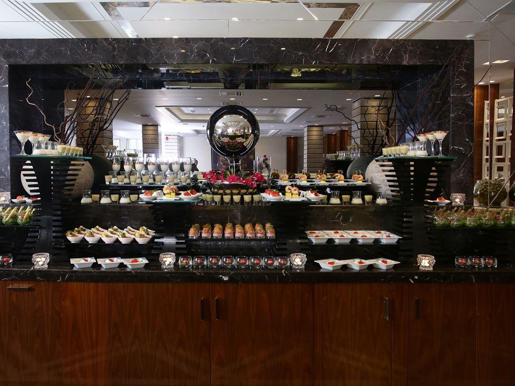 Pomegranate Wellness Spa Hotel: Zeus Main Restaurant Buffet